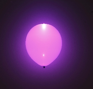 GLOBO LATEX CON LED LILA