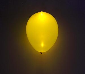 GLOBO LATEX CON LED AMARILLO