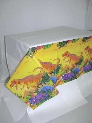 Mantel de plastico Prehistoric Party Paper Tablecovers 1.37m x 2.43m