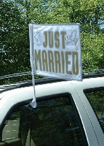 BanderaJust Married Car Flag - 35.5cm x 45.7cm