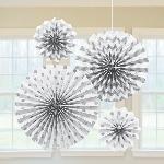 Rosetones de papel brillantes en blanco