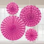 Rosetones de papel decorativos brillantes en rosa fucsia